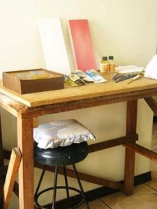 mesa auxiliar pintar al oleo
