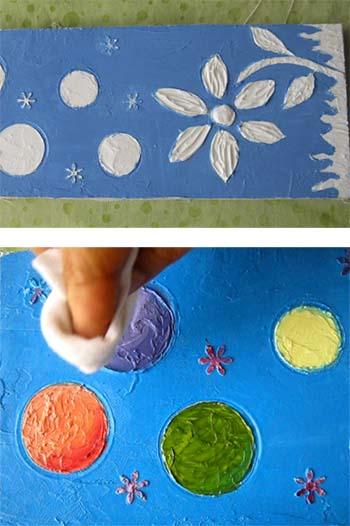 pintura sobre textura en pasta para modelar